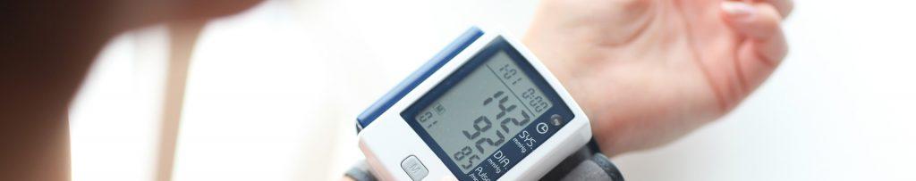 Blutdruckmessgerät - Bluthochdruck wird gemessen