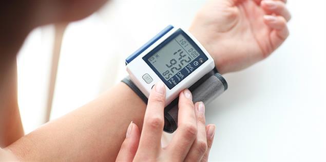 Bluthochdruck wird gemessen