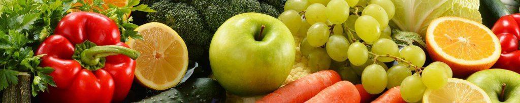 verschiedenes Obst und Gemüse als Vitaminquellen